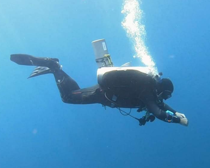 Decompression stop technical diver, subic bay, by John Lees